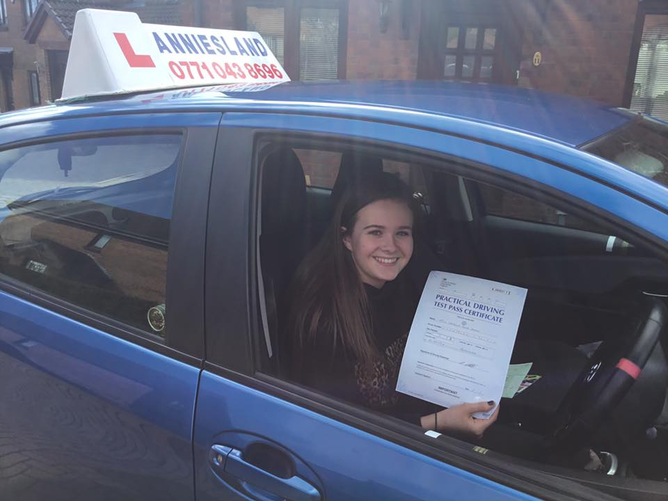 Natasha Shaw successfully passed their driving test with Anniesland Driving School