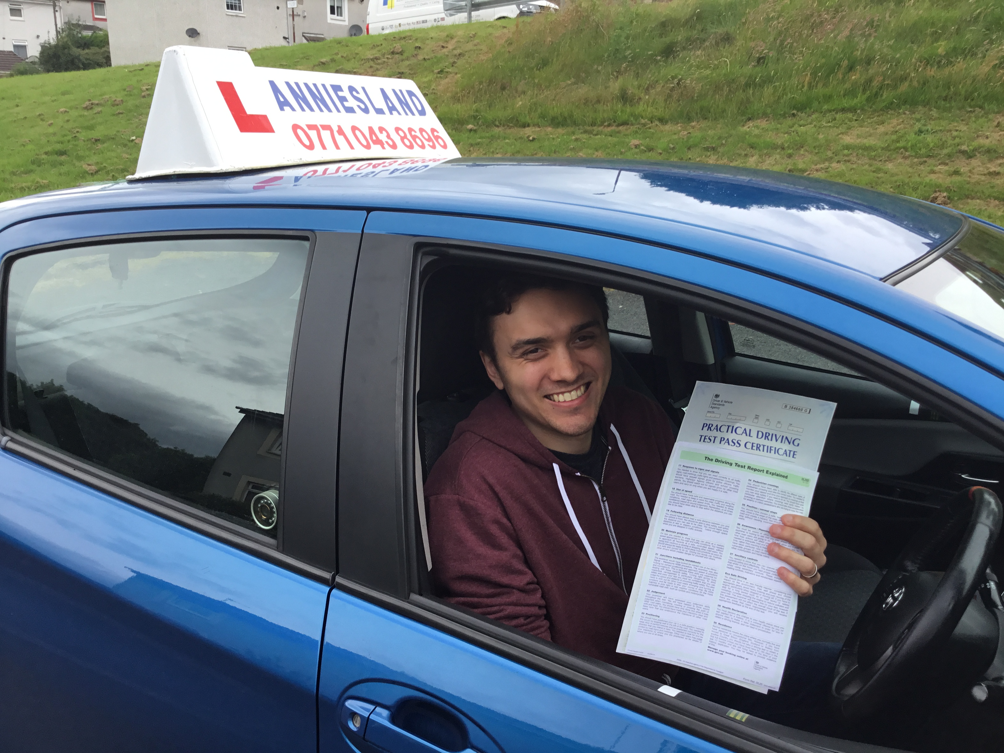Ryan Kounnas successfully passed their driving test with Anniesland Driving School