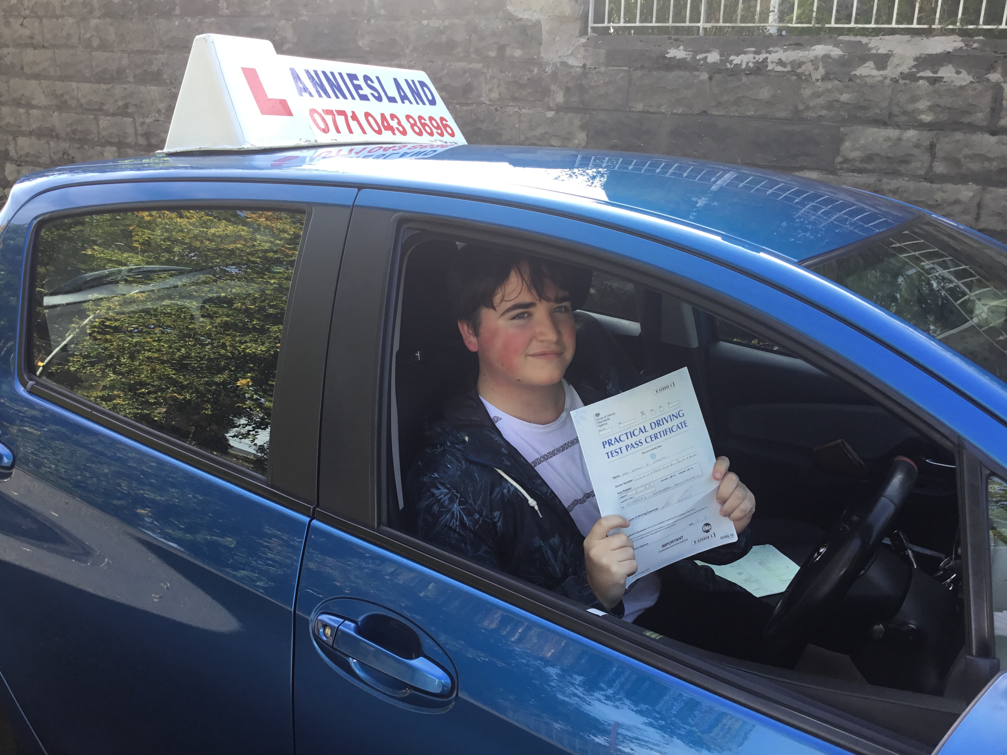 Simon Kielty successfully passed their driving test with Anniesland Driving School