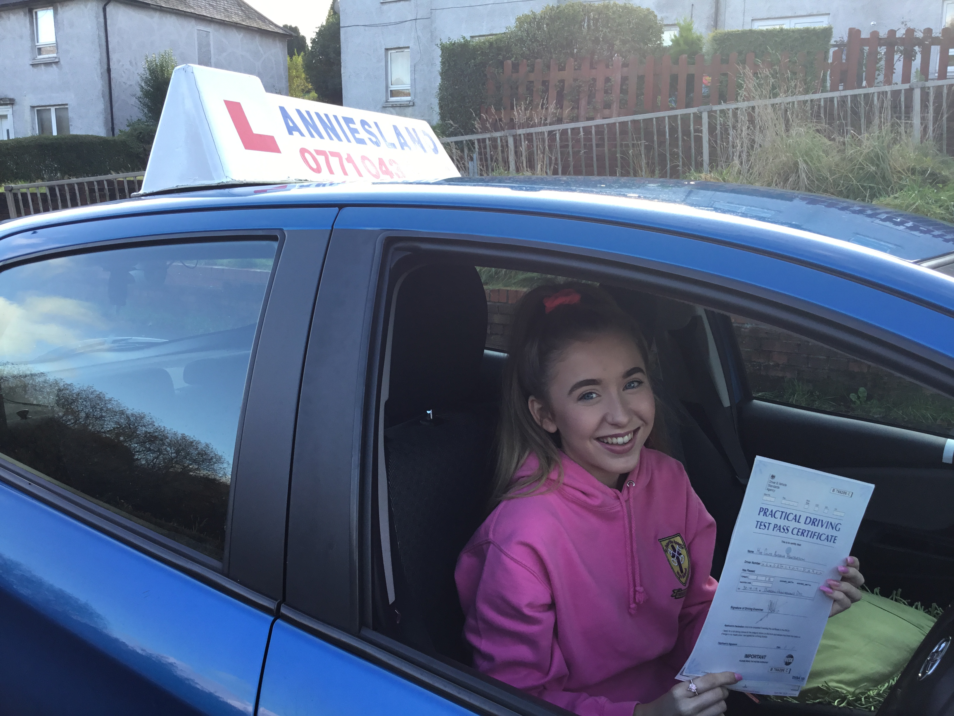 Chloe Henderson successfully passed their driving test with Anniesland Driving School